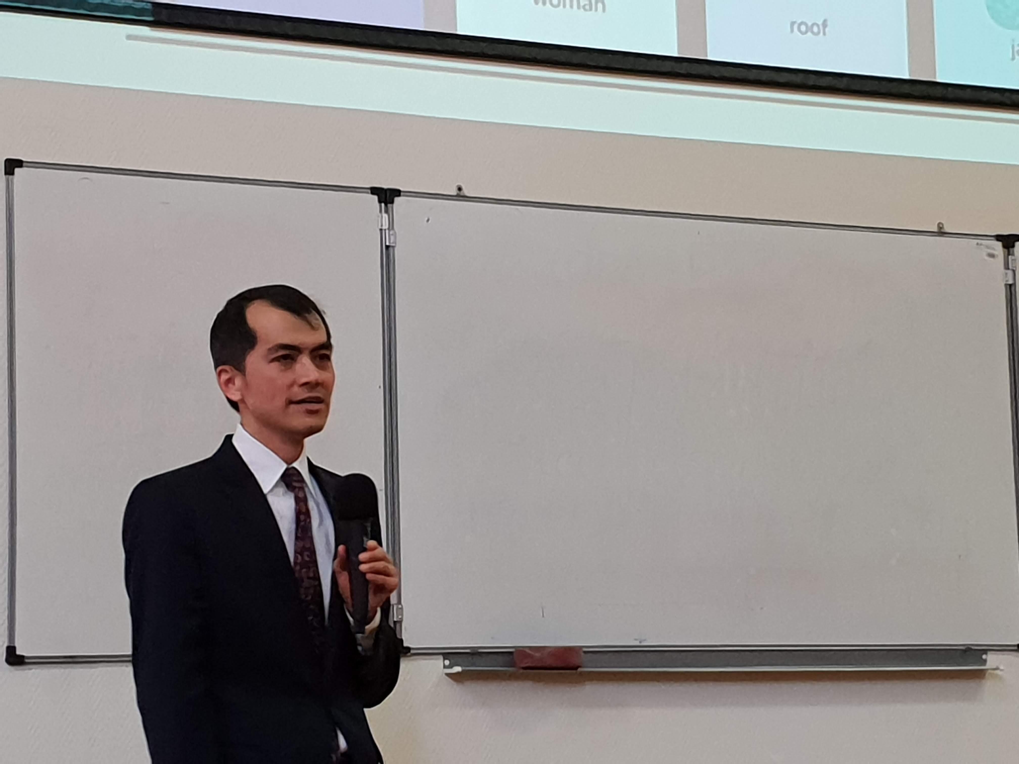 MIT Professor speaking at MCU
