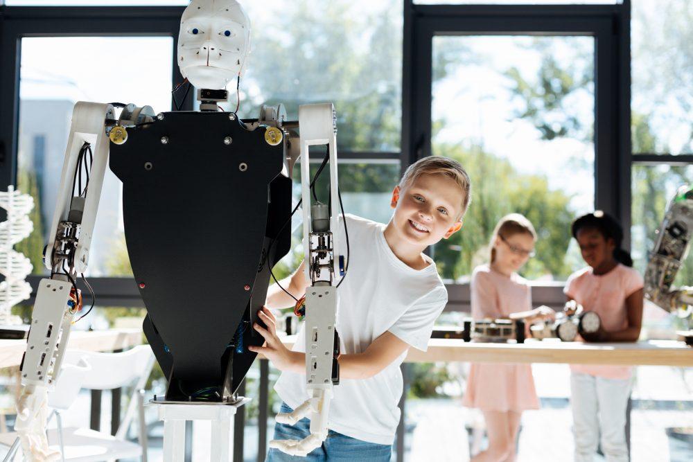 MCU to launch robot trainings